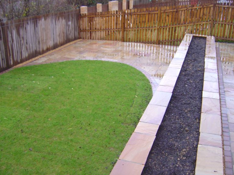 Garden design green onion landscaping for Redesign your garden