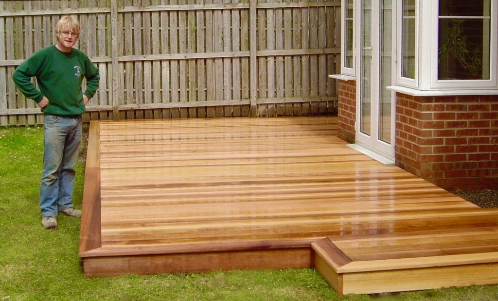 Cedar wood garden decking for Garden decking designs uk