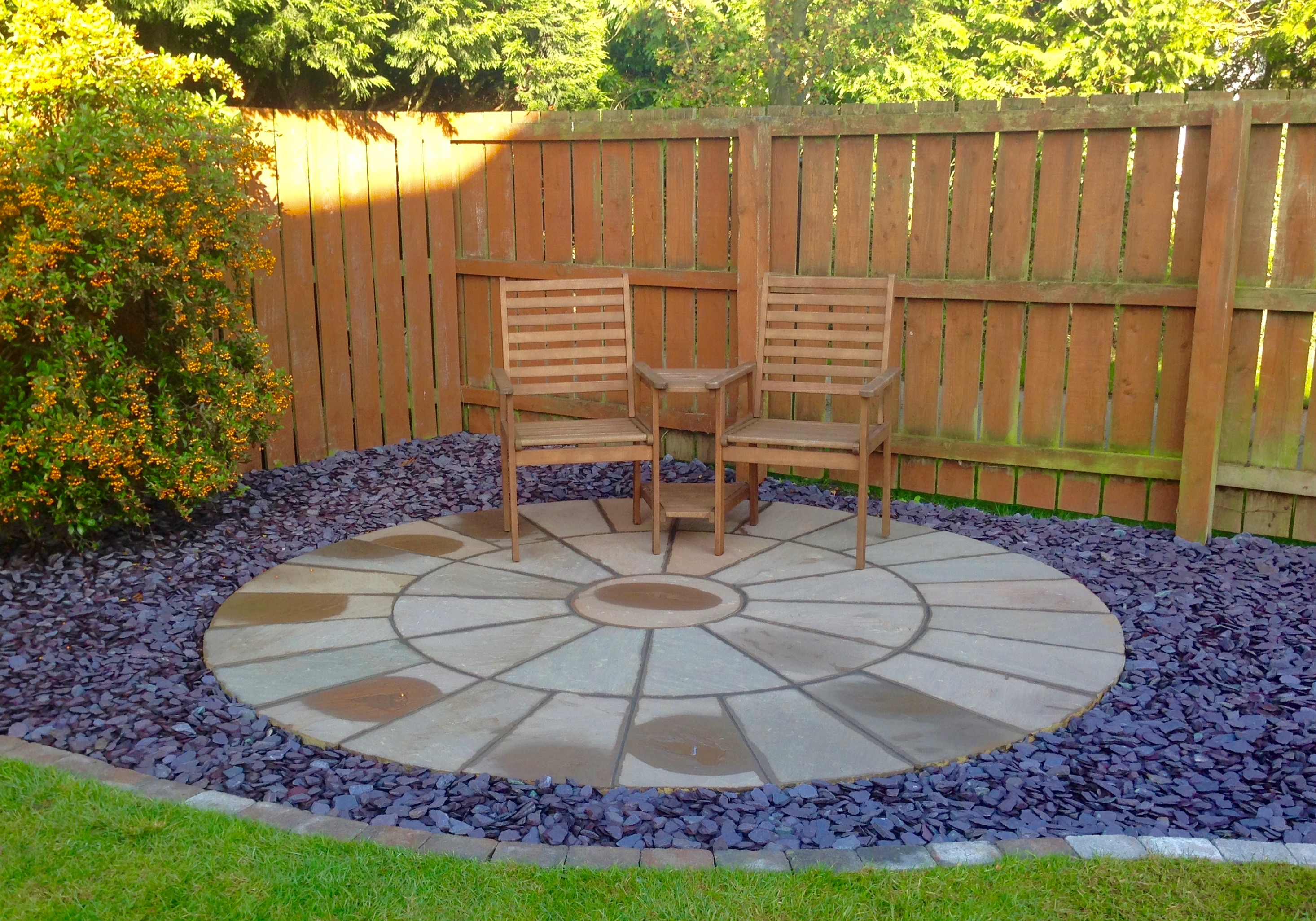 Patios paving installers in hartburn fairfield stockton for Circular garden designs