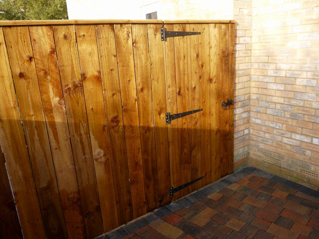 Fencing-Timber-Fence-Close-board-fences-Garden-Gate-landscapers-Landscaping-Stockton