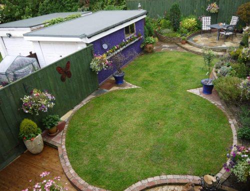 Garden fence ideas for Funky garden designs