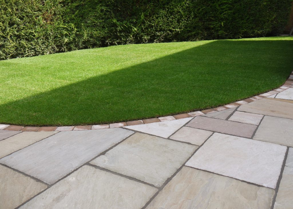 turf,turfing,turfed,sandstone, patio, cobbled edge, Fairfield, Stockton,Green Onion Landscaping