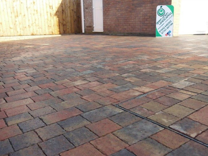 Driveways, Block Paving, Blocks, Drives, Paving, Herringbone block paving, permeable block paving, flood defence, landscapers, drive installers, block paving installers, landscape gardener, Green Onion Landscaping, design, construct