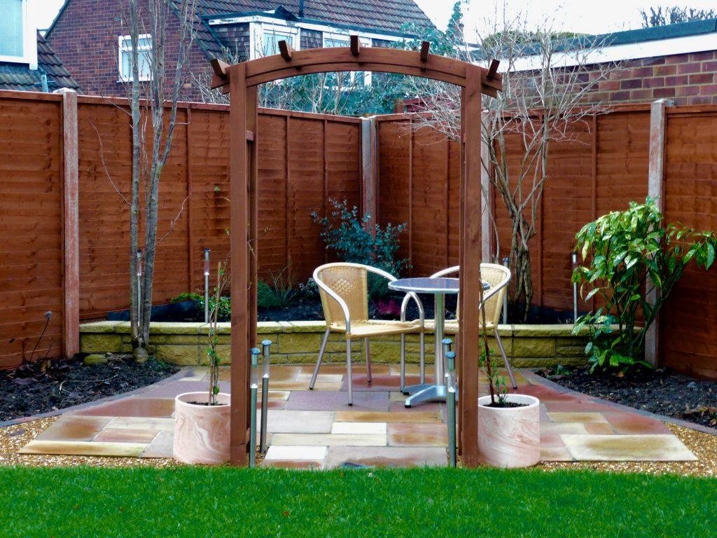 fairfield-turf-lawn-patio-raised-bed-garden-archway-decking ...
