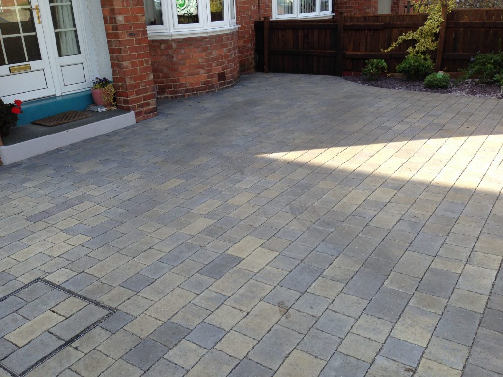 Driveways, Permeable,Paving, Block paving,Installers,Green Onion Landscaping, Stockton,Middlesbrough,Darlington, County Durham, North Yorkshire, Herringbone, permeable paving, flood defence, water logging,