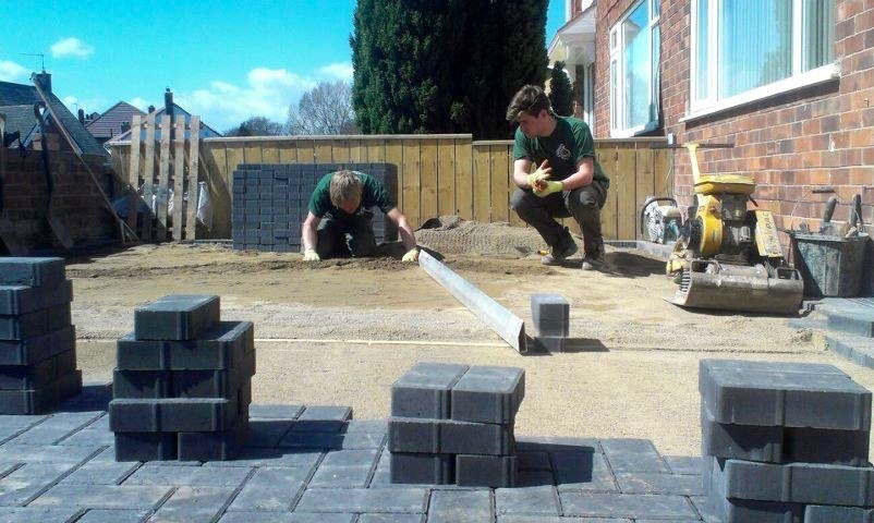 hartburn, Block Paving Installers,Driveways, Landscapers, Stockton, Hartburn, Middlesbrough, Yarm, Teesside, Herringbone pattern, Green Onion Landscaping, landscapers, driveways