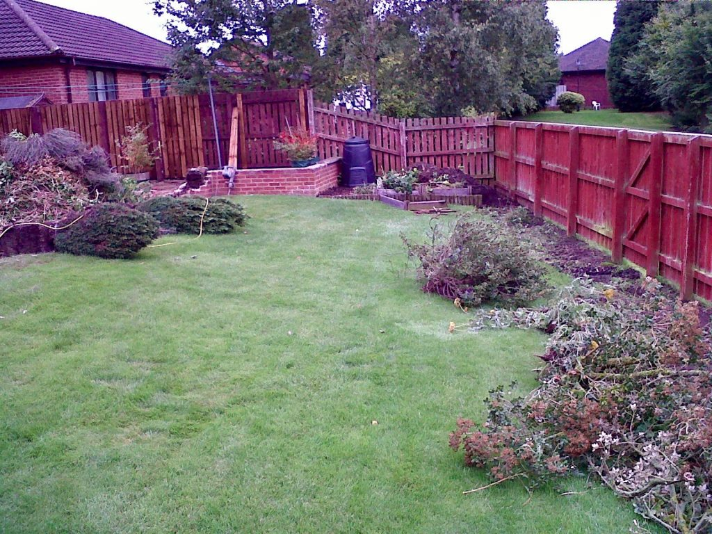 tree removal, shrub removal, pruning, digging, stump removal, garden clearance, garden maintenance, lawn mowing, hedge trimming, Stockton, North east, County Durham, Middlesbrough, Teesside, landscapers, Gardeners