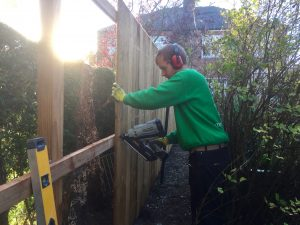 erect fence, fencing, garden fence, boundary, decorative fencing, security fence, close board fencing, Timber fencing, Fairfield, Stockton, Wynyard, Green Onion Landscaping