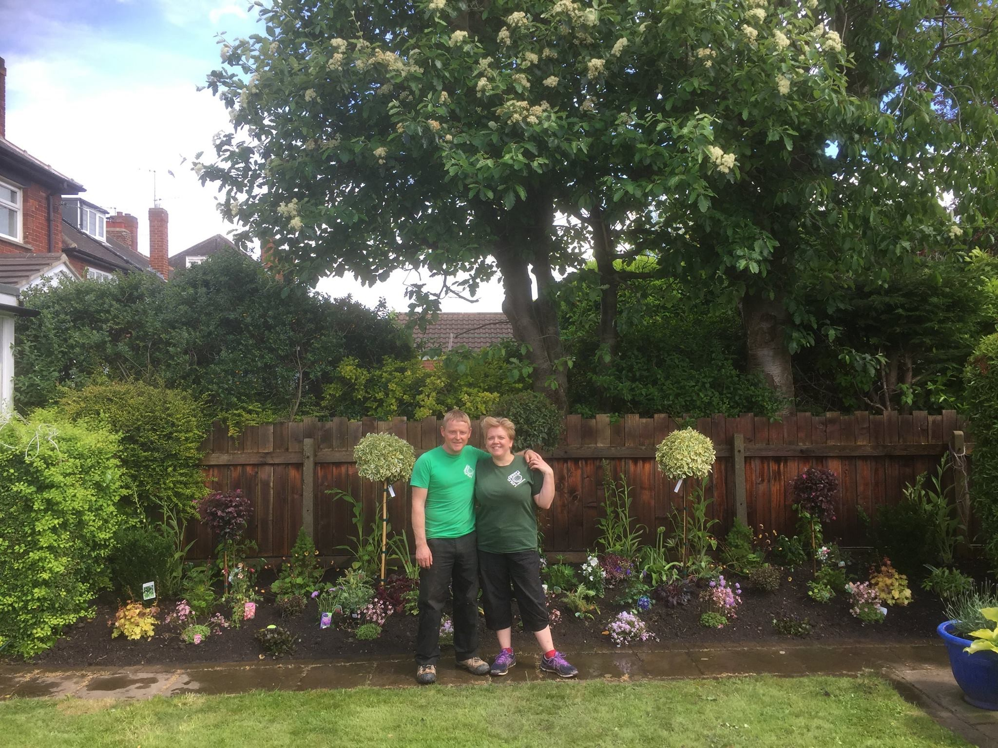Designing-garden-borders-Landscaping-Green-Onion ...