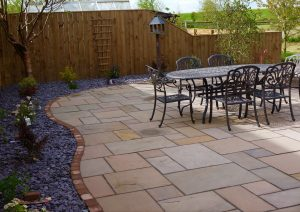 low maintenance gardens, landscaping, landscapers, green onion landscaping, Teesside, Stockton, Hartburn, Whinney Hill, Tees Valley, Cleveland, County Durham, turfing, turfed, paving, sandstone, patio area, borders, cobbles, slate, fresco dining, fencing, close board fencing, garden design